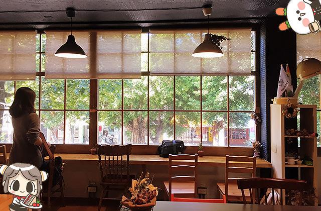 [台北] 森丘Afternoon Tease|滿盈著綠意的書香咖啡店 無敵窗景 甜點