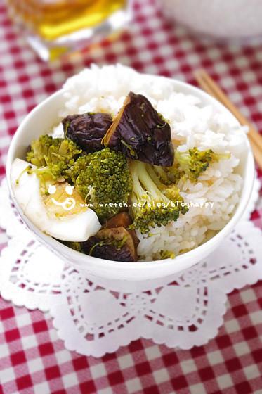 露露日常料理 ▌椰菜拌香菇