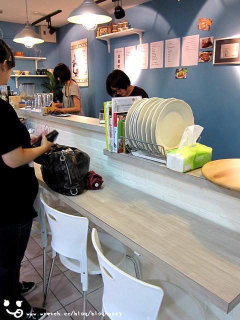 [台北] 東區.新開幕 L i l y 法式薄餅咖啡屋 (應該歇業囉