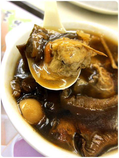 [台北] 西門町 台北牛乳大王|羹飯、奶焗管麵、素食料理上市 (葷素