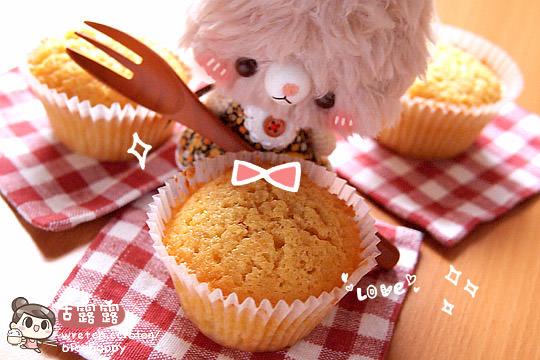 露露日常料理 ▌料理白癡的「100分烘焙!」奶油杯子蛋糕